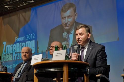 prezes-zarzadu-pko-banku-polskiego-zbigniew-jagiello-podczas-forum-zmieniamy-polski-przemysl-2012-fot-m-szachowski_zmiejszzzz